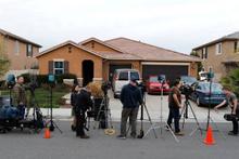 İşkence evinden zincire vurulmuş 6'sı çocuk 13 kişi çıktı!