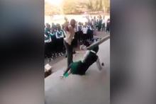 Okulda çekilen dehşet verici görüntüler! Kırbaçla öğrenci dövdü