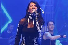 Çıplak fotoğraf krizi sonrası Hande Yener'e büyük şok!