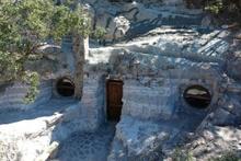 Frigler tarafından yapılan Bolu kaya evleri turizme kazandırılıyor