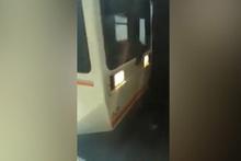 Metroya otostop çeken gençlerin ilginç anları