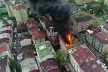 Halkalı'da korkutan yangın! Alevler her yeri sardı