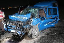 Jandarma aracı devrildi: 4 yaralı