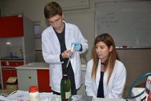 Lise öğrencisi 600 liraya satılan radyasyon zırhını 20 liraya üretti