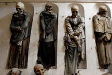 Ölüler evi binlerce yıllık cesetlerle dolu gören herkes ürperiyor