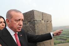 Cumhurbaşkanı Erdoğan, Sur'u gezdi incelemelerde bulundu