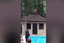 Havuza atlayış denemesi felaketle sonuçlandı!