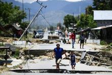 Endonezya'daki depremde ürküten olay! Toprak sıvılaştı