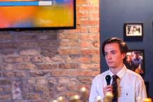Sosyal medyanın yeni fenomeni! Öyle bir karaoke performansı sergiledi ki