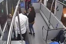 Halk otobüsünde küçük kıza taciz anı kameralara yansıdı