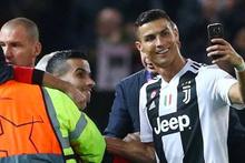 Chiellini'nin çırılçıplak fotoğrafı İtalya'yı salladı! Ronaldo fotoğraf çektirirken...