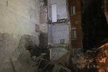 Fatih'te çökme riski nedeniyle 2 bina boşaltıldı!