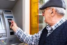 İsteyenin emekli maaşı kapısında ödeniyor