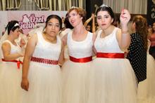 Mutululuk size çok yakışıyor  Down sendromlu genç kızlara özel düğün