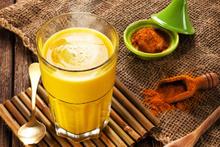 Daha önce hiç 'Altın Süt' içtiniz mi? İnanılmaz faydaları var