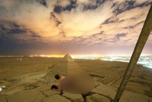 Mısır piramitlerinde rezalet! Tepesine çıktılar cinsel ilişkiye girip yayınladılar