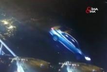 Bartın'da korkutan kaza! Otomobil denize böyle düştü