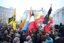 Belçika karıştı! Binlerce gösterici AB binasına yürüyor
