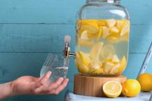 Günde bir bardak limon suyunun vücudunuzda yarattığı 13 değişiklik