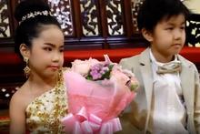 Böyle sapkınlık yok! 6 yaşındaki ikiz kardeşleri evlendirdiler