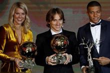 Messi'yi Ronaldo'yu solladı! İşte Ballon d'Or'u kazanan isim