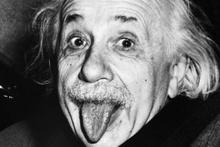 Einstein'ın Tanrı'yı reddettiği mektubu rekor fiyata satıldı