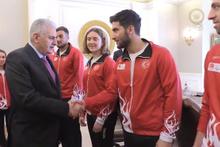 Başbakan Binali Yıldırım, milli sporcuları kabul etti