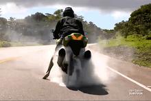 Acun Ilıcalı'dan motosiklet şov Survivor'a böyle başladı