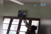 TSK giremez denen kasabada Öcalan posteri böyle indirildi