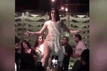 Mısır, Rus dansözü 'çok seksi' olduğu için sınır dışı ediyor