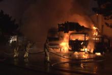 Ümraniye'de 4 iş makinesi alev alev yandı