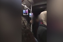 İki genç öpüştü metrobüste olay çıktı: Ben ahlâk bekçisiyim