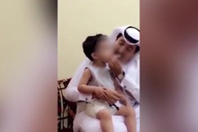 3 yaşındaki çocuğa sigara içiren adama büyük tepki