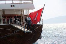 Yunanistan'ın alıkoyduğu milyon dolarlık Türk teknesi bırakıldı!