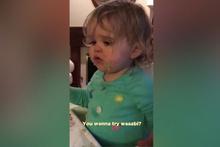 Wasabi sosunu ilk kez deneyen küçük kızın komik anları
