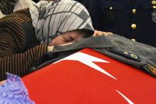 Pilot Melike Kuvvet giyemediği Binbaşı tulumu ile uğurlandı