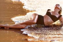 Candice Swanepoel paylaşımlarından servet kazanıyor!