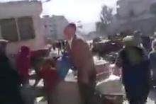 Afrin'de YPG merkez binası yağmalanıyor!
