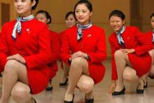 Çin'de hostes olmak kolay değil!