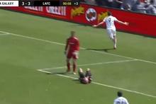 Ibrahimovic ilk maçında 2 gol attı