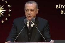 Cumhurbaşkanı Erdoğan 'Bil oğlum' şarkısına böyle eşlik etti