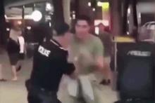 Genç adam polisi böyle yere serdi