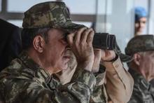 Genelkurmay Başkanı Akar Efes 2018'de gece tatbikatını izledi