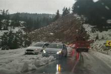 Antalya-Konya karayolunda dolu ulaşımı olumsuz etkiledi!