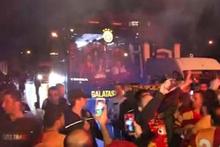 Galatasaray Florya'da şampiyon gibi karşılandı