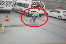 İnanılmaz kaza kamerada, saliselerle ölümden kurtuldu