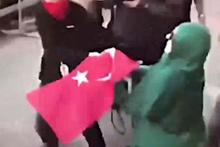 Türk bayrağını PKK'lı teröristlere vermeyen kadın!