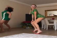 Cansu Taşkın'dan bir garip uzaylı dansı! Sosyal medya yıkıldı