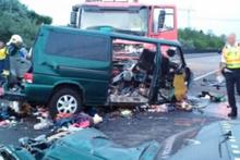 Facebook'tan canlı yayın yapan minibüs şoförü dehşet saçtı: 9 Ölü