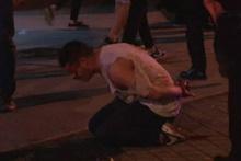 Kadıköy'de dehşet! Polis gözaltına almasına diye...